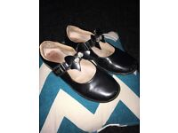 Girls lelli Kelly black shoes