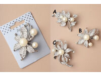 Silver coloured pearl bead and crystal flower brooch. In 3 different designs. - JTY214
