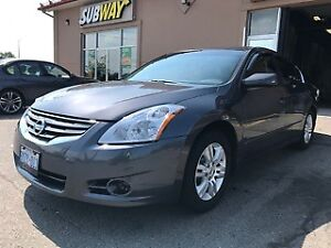 2010 Nissan Altima .very good condition