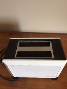 BLACK & DECKER TOASTER REDUCED