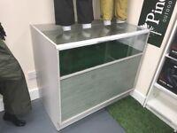 Shop counter - display units