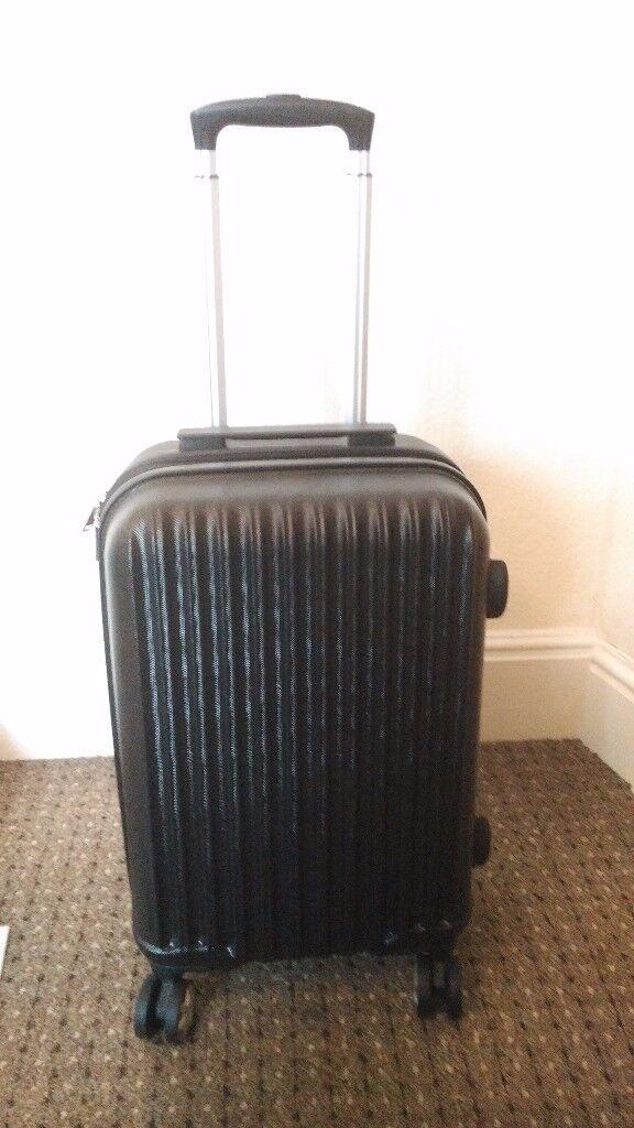 Amazon Basics Cabin Luggage (20 Inch)