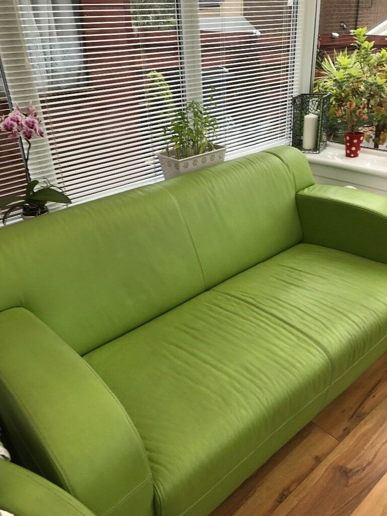 Merveilleux *reduced For Quick Sale As Moving*DFS Italian Leather Lime Green Two Seater  Sofa