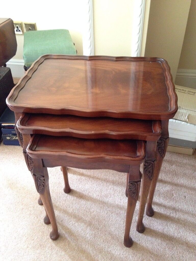 Mahogany Nest Of Tables Set Of 3 Reprodux By Bevan Funnell Very Good  Condition