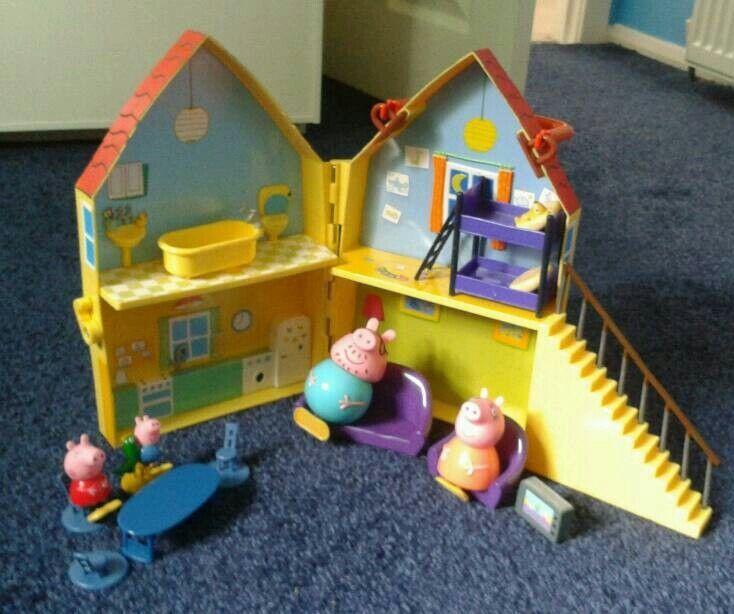 Peppa Pig House Playset (age 3+)