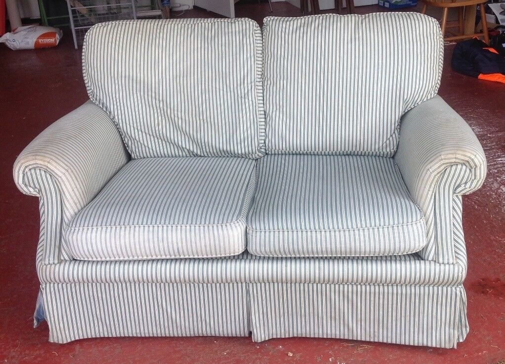 Exceptionnel Small Cottage Sofa