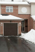 Barrhaven - 3 bedroom townhouse for rent. Available Dec 1, 2015