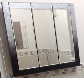 Bathroom Cabinet / Mirror excellent condition, nearly new
