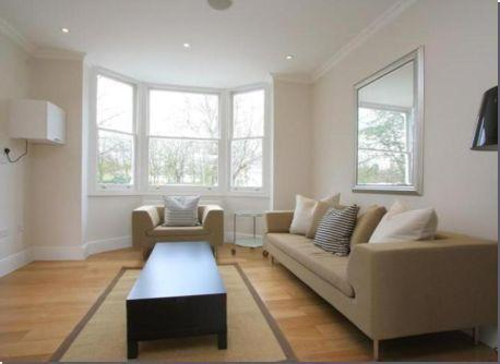 2 bed 2 bath- Brixton Hill- Very Popular Area!!
