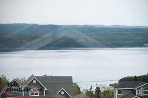 Clarenville 3 bedroom house (2 wshrms, walk-in closet, laundry)