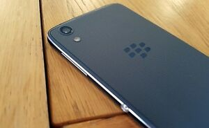 cellulaire blacberry dtk50