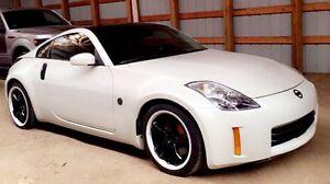 """2008 Nissan 350z """"custom"""" open to offers"""