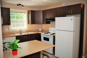 ROOM $495 Avail Now EVERYTHING INCLUDED 5 min walk to U de M 54