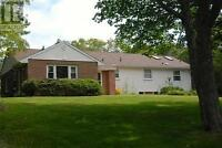 Well Kept House - Large Yard - Private Location Near Schools