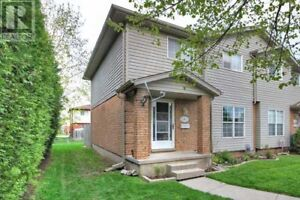 Ideal for first time buyers, retirees downsizing, or Investors!