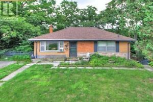 Great Single Family Home or Rent out!! Don't miss out