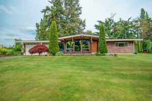 *#*#* WONDERFUL, OPEN HOME ON A NICE PATCH OF LAND *#*#*