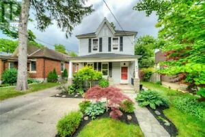 Gorgeous turnkey!! Ideal as owner or investment!!