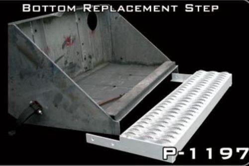 peterbilt battery box location