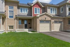 Beautiful Wide Lot Townhouse in Barrhaven!