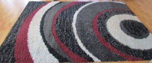 Beautiful Area Rug 63x 94  as shown