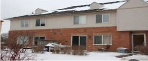 2 bedroom condo townhouse for rent - Uxbridge