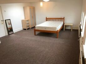 Single & double bedrooms in Hackney! Call now to book a viewing! Amazing flat!