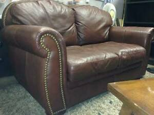Studded LOVE SEAT - delivery