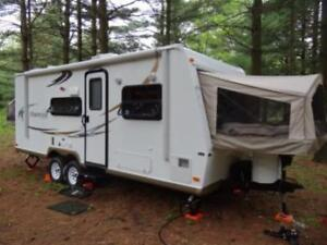 3 QUUEN HYBRID TRAILER FOR RENT/GREAT FALL DATES AVAILABLE