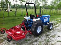 Ford 1520 4WD diesel compact utility tractor