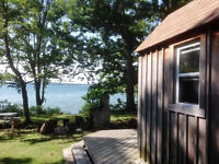 Waterfront Rustic Cottage on Wolfe Island