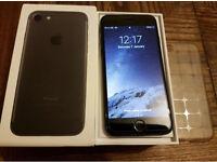 iPhone 7 128gb MATTE BLACK UNLOCKED MINT
