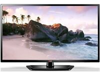 """LG 32"""" LED FullHD 1080p USB Slim Immaculate Condition"""