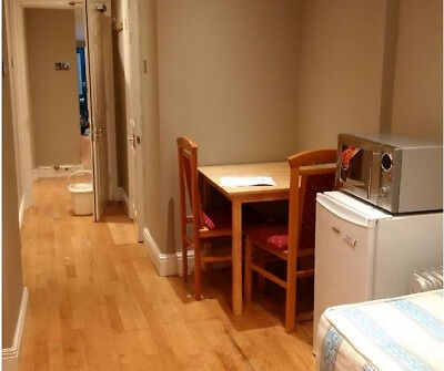 Spacious Self Contained Double Studio in W14