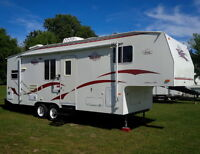 2000 Fleetwood Terry 275 27.5' Fifth (5th) Wheel with Slide