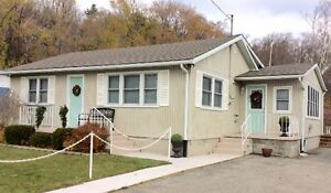 Amazing 3 Bdrm, 4 Season Cottage Rental In Turkey Point!!