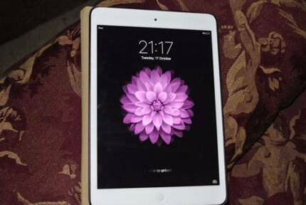 "Apple iPad mini 1st Generation 16GB, Wi-Fi, 7.9"" Small Chip White"