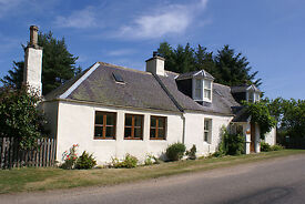 A character Scottish cottage, in Speyside Moray Scotland, and it's two holiday rental units.