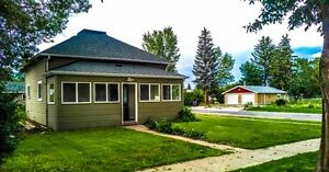 RENT TO OWN! 3 Bedroom w/ Double Heated Garage HIGH RIVER