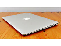MacBook Air mint condition 2.2 GHz Intel Core i7 with 8 GB RAM and 256 GB storage