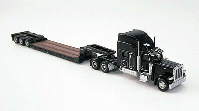 Peterbilt 389 in Black with Trail King Lowboy Trailer NORSCOT 58201 1/87