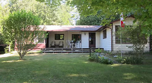 Sauble Beach Cottage Rental - SEE AVAILABLE DATES!