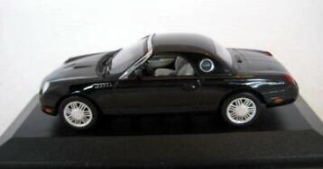 MiniChamps - 1:43 - Ford Thunderbird 2002 Black - Factory So