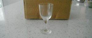 12 wine glass set *** BRAND NEW ***