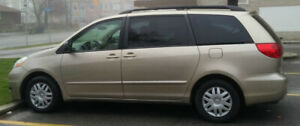 2005 Toyota Sienna LE Minivan with safety