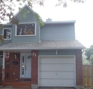 Barrhaven Townhouse Roommate Wanted