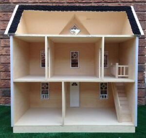 New Wooden Dollhouse 1/12 scale for collectors Kitchener / Waterloo Kitchener Area image 2