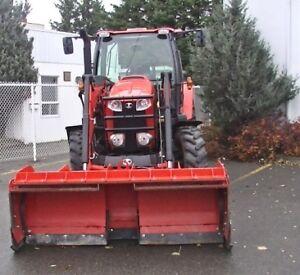 AUBAINE !! 2014 Tracteur Kubota M100GX avec loader et pelle