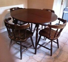 Solid Pine/Oak Dinning Table with Four Chairs