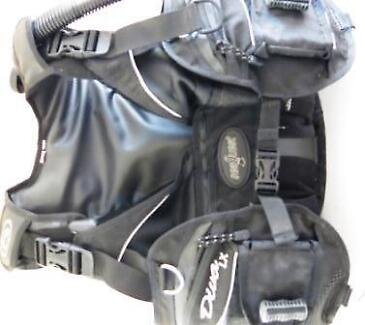 USED SEA-QUEST DIVA LX  M-L BCD Scuba Diving